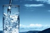 Air Banyak Yang Tercampuri Najis Menjadi Najis Bila Berubah Warna, Rasa dan atau Baunya