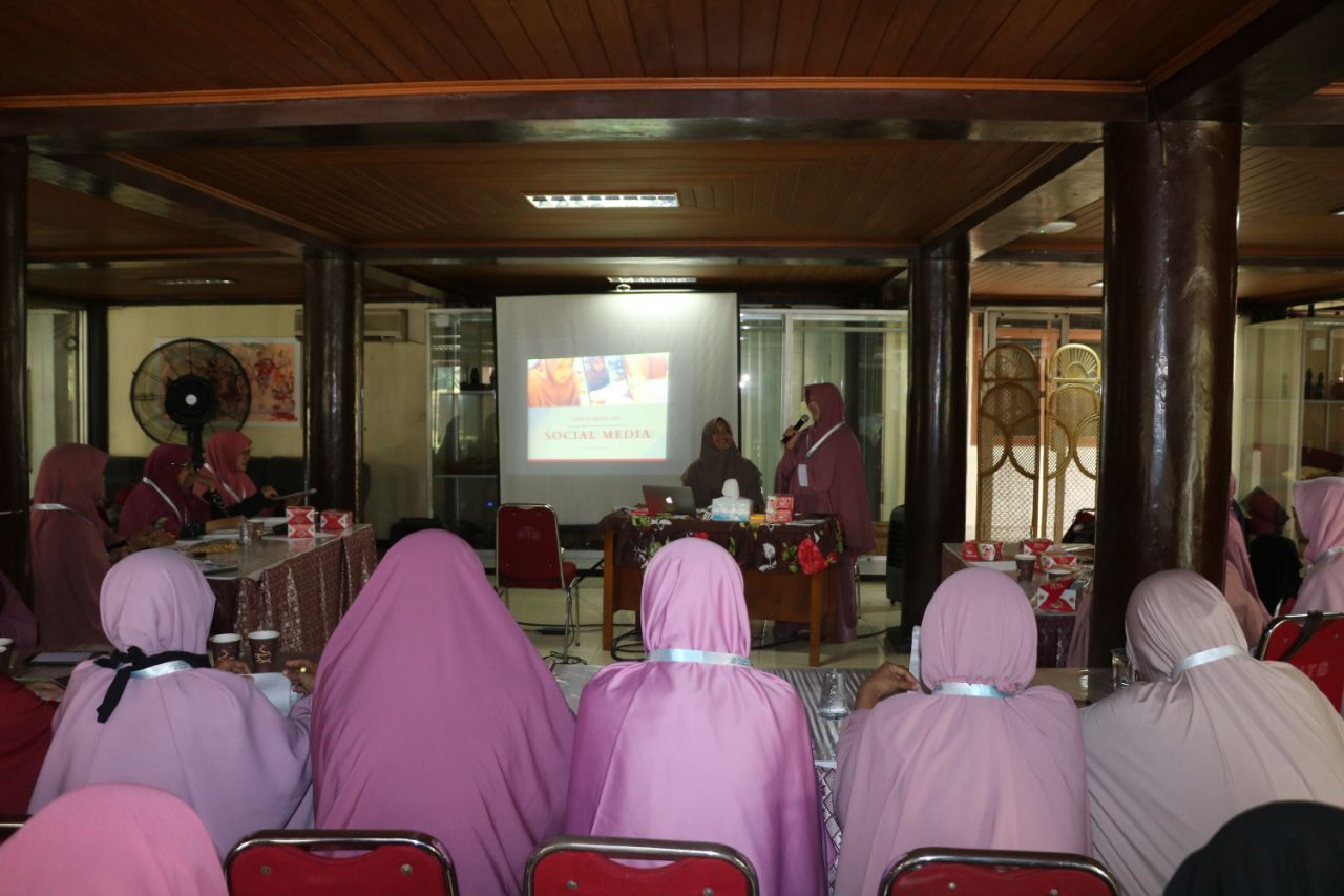 Muslimah Wahdah Gelar Pelatihan Jurnalistik Dan Kehumasan